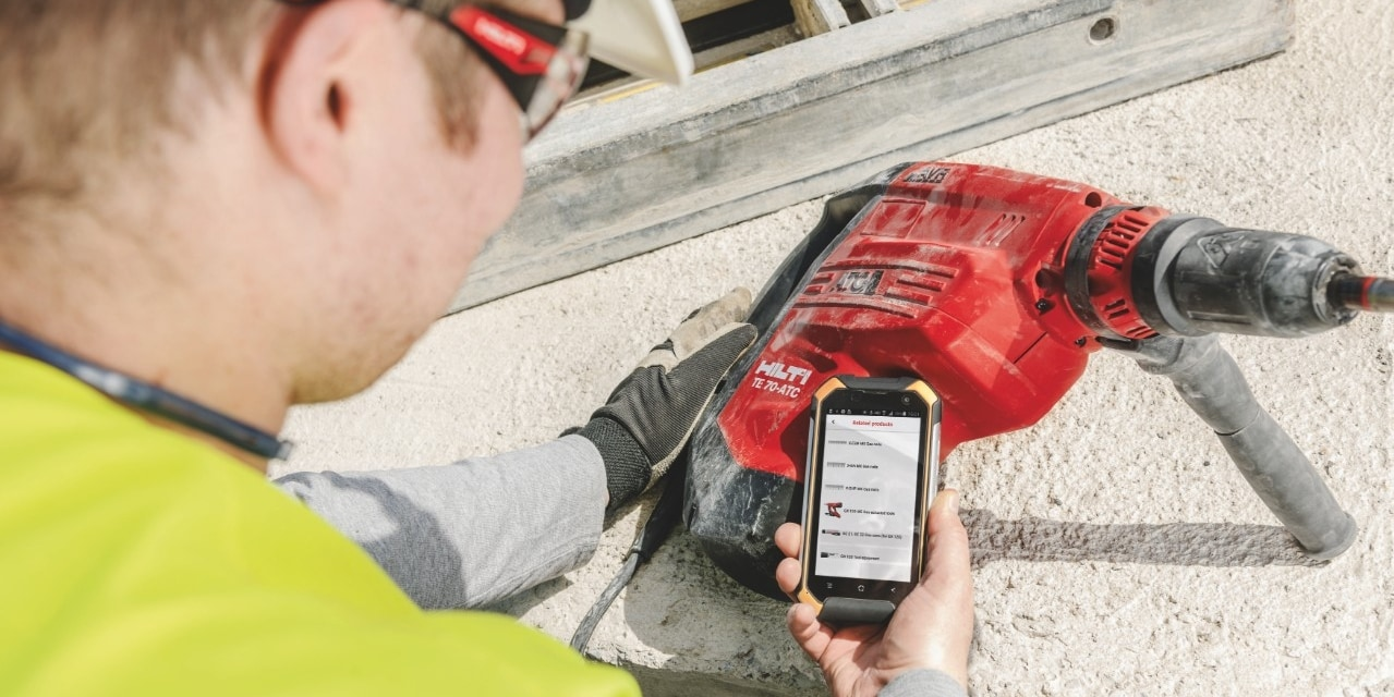 Schedule a service and view tool information with Hilti Connect